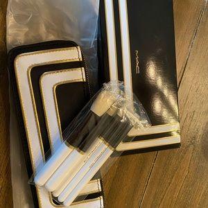 MAC makeup brush set with case